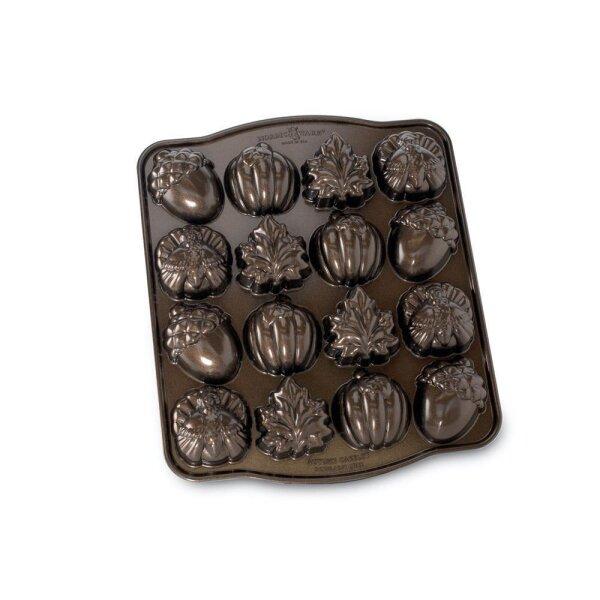 Nordic Ware - Autumn Cakelet Pan